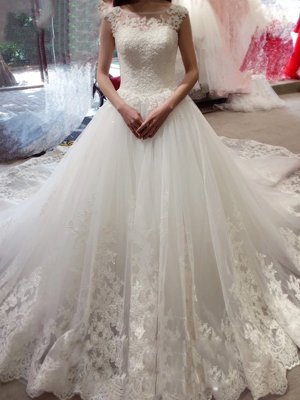 Ball Gown Sleeveless Applique Bateau Chapel Train Tulle Wedding Dresses