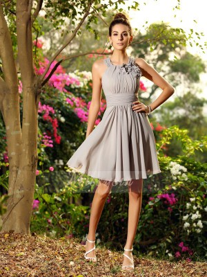 A-Line/Princess Sleeveless Scoop Hand-Made Flower Knee-Length Chiffon Bridesmaid Dresses