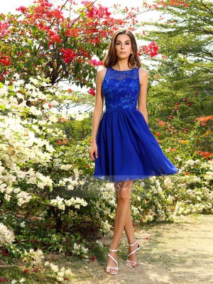 A-Line/Princess Sleeveless Bateau Applique Knee-Length Chiffon Bridesmaid Dresses
