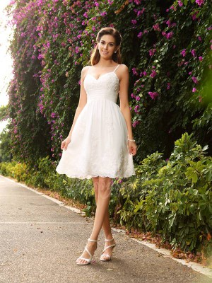 A-Line/Princess Sleeveless Lace Spaghetti Straps Applique Knee-Length Wedding Dresses