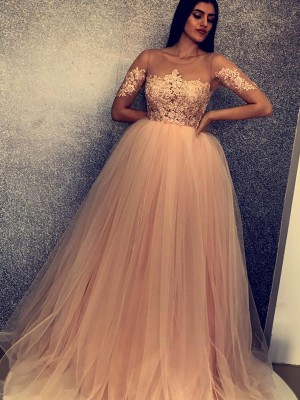 Ball Gown Scoop Short Sleeves Applique Sweep/Brush Train Tulle Dresses