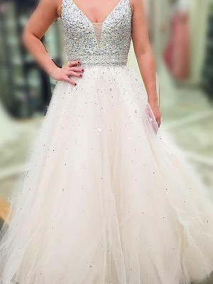 A-Line/Princess Sleeveless Beading V-neck Floor-Length Tulle Dresses