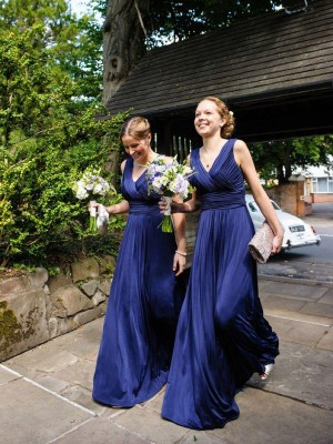 A-Line/Princess Sleeveless Chiffon V-neck Pleats Floor-Length Bridesmaid Dresses