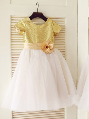 A-Line/Princess Scoop Knee-Length Sequin Short Sleeves Tulle Flower Girl Dresses