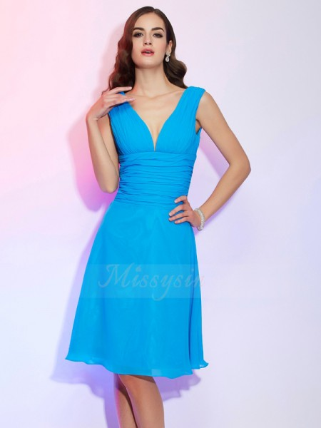A-Line/Princess Short Sleeves Knee-Length Chiffon V-neck Pleats Dresses