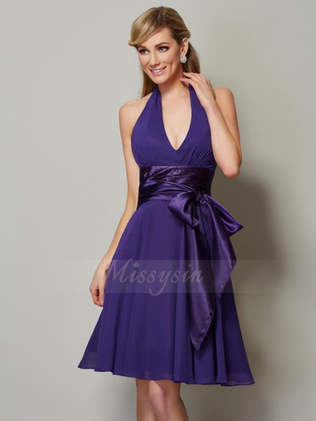 A-Line/Princess Sleeveless Knee-Length Chiffon Halter Bridesmaid Dresses