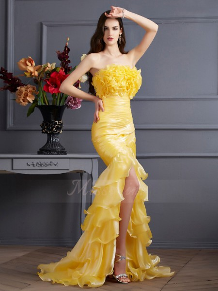 Trumpet/Mermaid Sleeveless Sweep/Brush Train Tulle Strapless Ruffles Dresses