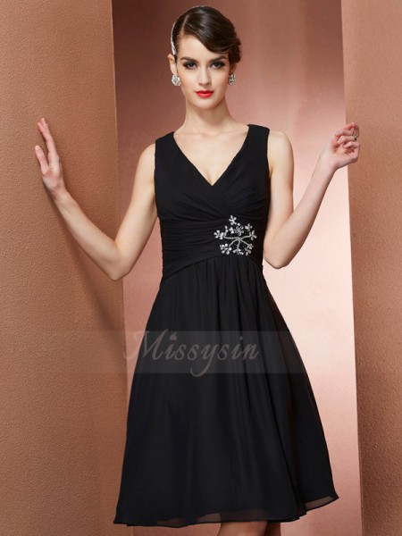 A-Line/Princess Sleeveless Knee-Length Chiffon Straps Bridesmaid Dresses