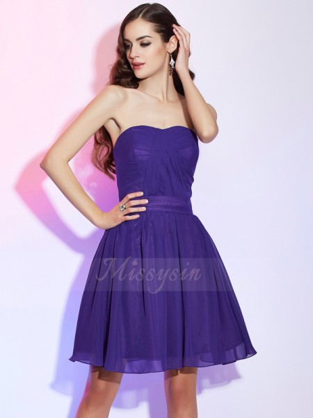 A-Line/Princess Sleeveless Short/Mini Chiffon Sweetheart Pleats Cocktail Dresses
