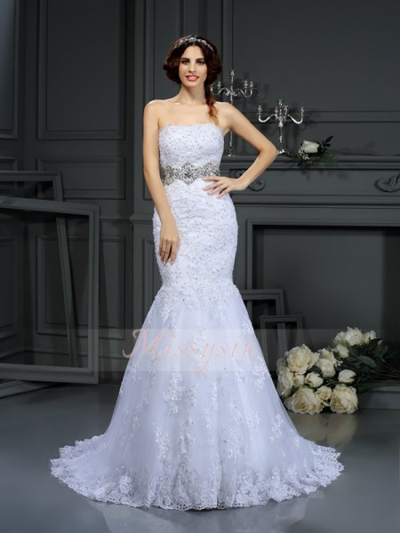 Trumpet/Mermaid Sleeveless Strapless Beading Court Train Lace Wedding Dresses