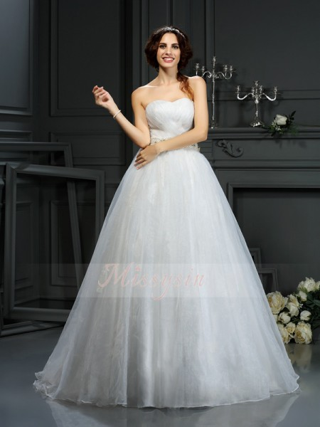 A-Line/Princess Sleeveless Sweetheart Applique Court Train Organza Wedding Dresses
