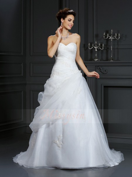 Ball Gown Sleeveless Sweetheart Beading Court Train Organza Wedding Dresses