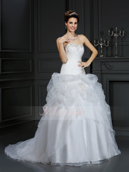 Ball Gown Sleeveless Strapless Beading Court Train Organza Wedding Dresses