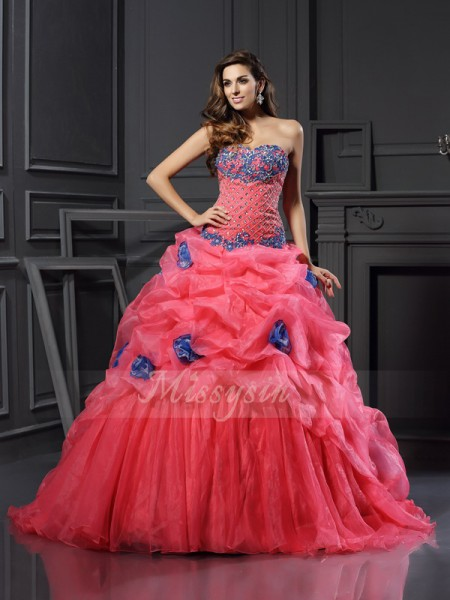 Ball Gown Sleeveless Sweetheart Beading Chapel Train Organza Dresses