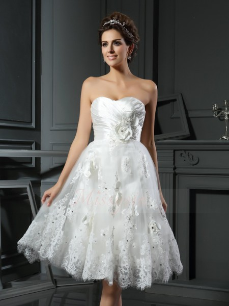 A-Line/Princess Sleeveless Satin Sweetheart Ruched Tea-Length Wedding Dresses