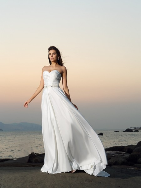 A-Line/Princess Sleeveless Taffeta Sweetheart Beading Chapel Train Wedding Dresses