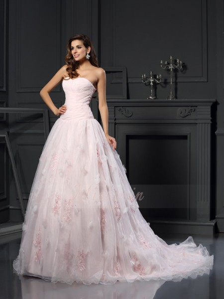 Ball Gown Sleeveless Satin Sweetheart Ruffles Chapel Train Wedding Dresses