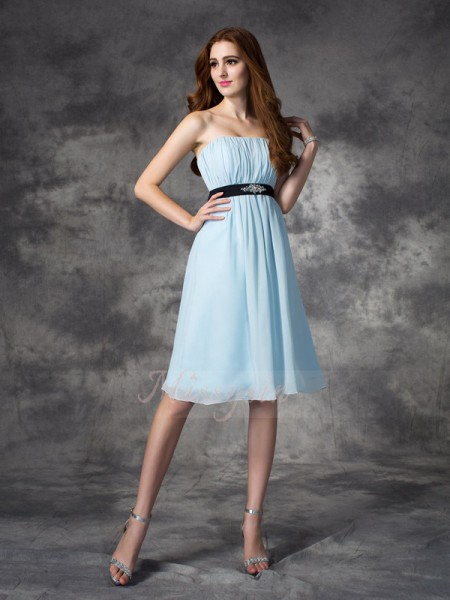 A-line/Princess Sleeveless Strapless Rhinestone Knee-Length Chiffon Bridesmaid Dresses