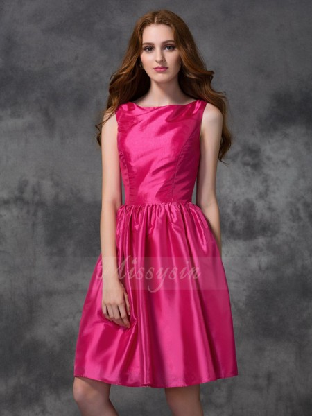 A-line/Princess Sleeveless Bateau Ruched Knee-length Taffeta Bridesmaid Dresses