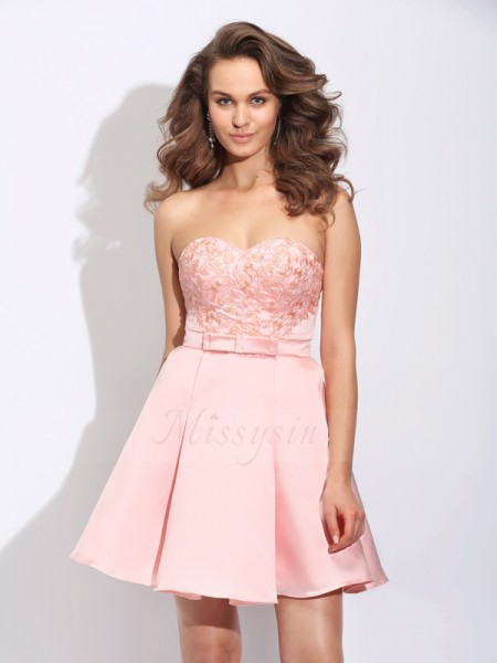A-Line/Princess Sleeveless Sweetheart Ruffles Short/Mini Satin Cocktail Dresses