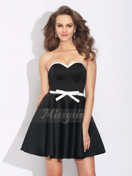 A-Line/Princess Sleeveless Sweetheart Bowknot Short/Mini Satin Cocktail Dresses
