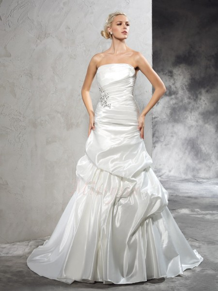 Sheath/Column Sleeveless Strapless Pleats Court Train Satin Wedding Dresses
