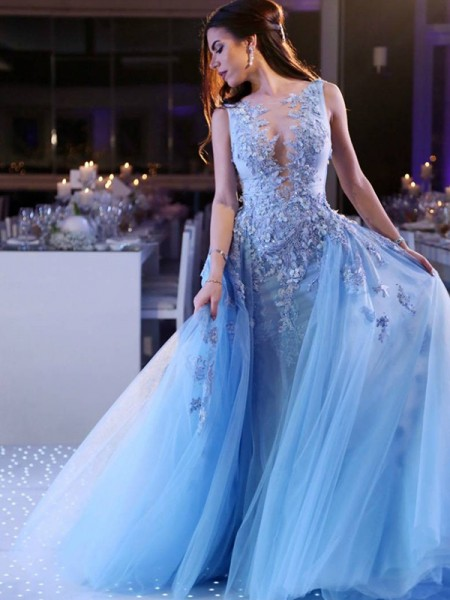 Ball Gown Scoop Sleeveless Applique Sweep/Brush Train Tulle Dresses