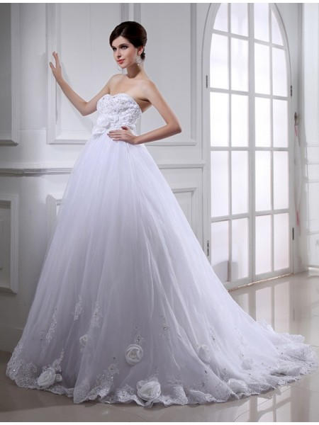 Ball Gown Strapless Chapel Train Sash/Ribbon/Belt,Hand-Made Flower,Beading Sleeveless Organza Wedding Dresses