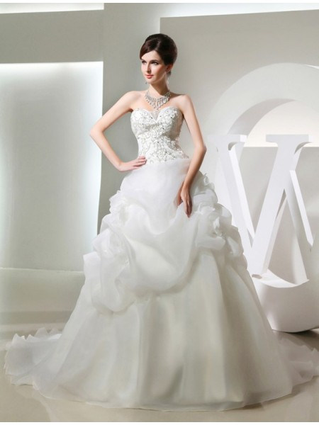 Ball Gown Strapless,Sweetheart Chapel Train Hand-Made Flower,Beading Sleeveless Organza Wedding Dresses