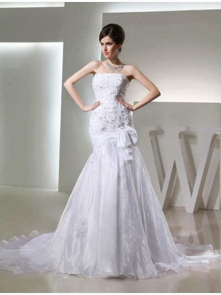 Trumpet/Mermaid Strapless Chapel Train Beading,Applique Sleeveless Organza Wedding Dresses