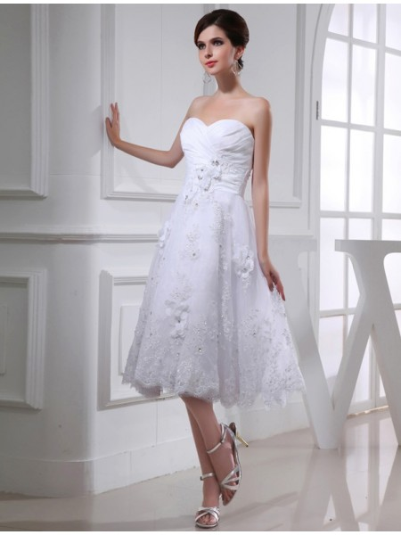 A-Line/Princess Sweetheart Knee-Length Beading,Applique Sleeveless Taffeta,Organza Wedding Dresses
