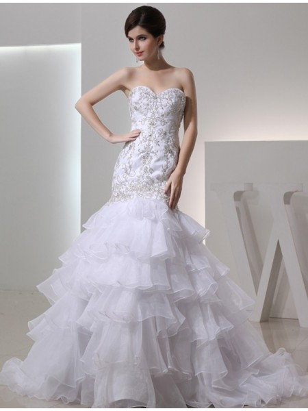 Trumpet/Mermaid Sweetheart Chapel Train Beading,Embroidery Sleeveless Organza Wedding Dresses
