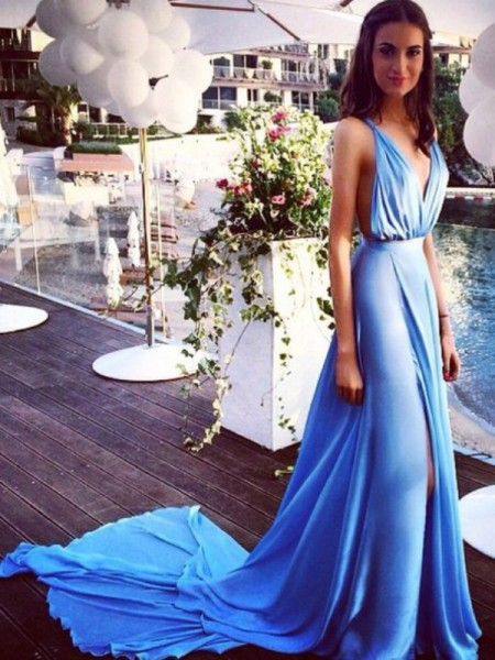 A-Line/Princess Sleeveless Chiffon Spaghetti Straps Pleats Court Train Dresses