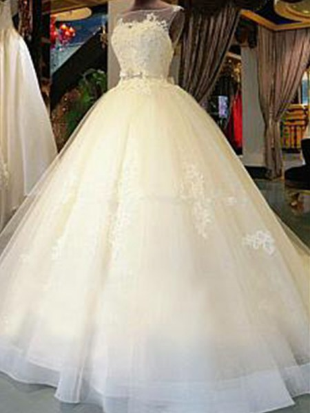 Ball Gown Sleeveless Scoop Tulle Cathedral Train Applique Wedding Dresses