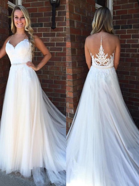 A-Line/Princess Sleeveless Scoop Tulle Court Train Applique Wedding Dresses