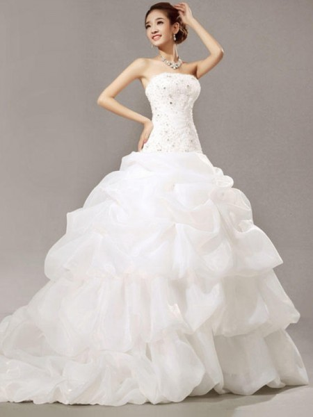 Ball Gown Sleeveless Strapless Organza Cathedral Train Beading Wedding Dresses