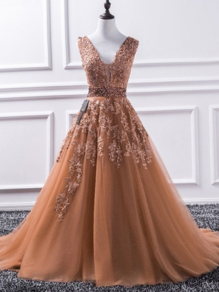A-Line/Princess Sweep/Brush Train V-neck Applique Sleeveless Tulle Dresses
