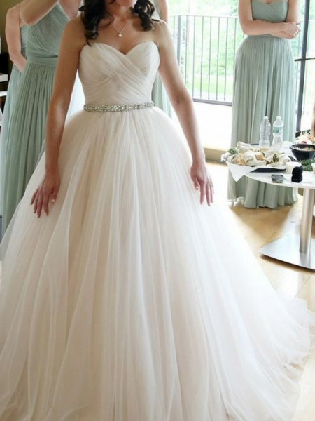 Ball Gown Sweetheart Sleeveless Beading Tulle Floor-Length Wedding Dresses