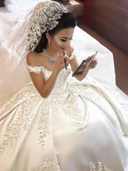 Ball Gown Sleeveless Satin Sweep/Brush Train Off-the-Shoulder Applique Wedding Dresses