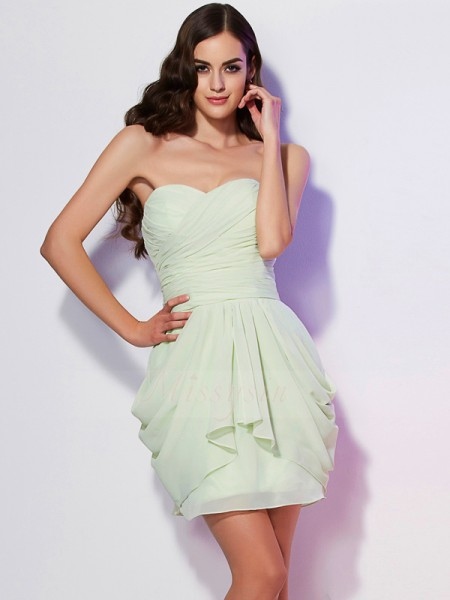 A-Line/Princess Sleeveless Short/Mini Chiffon Sweetheart Pleats Dresses