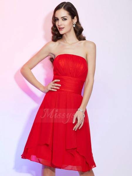 A-Line/Princess Sleeveless Knee-Length Chiffon Strapless Pleats Dresses