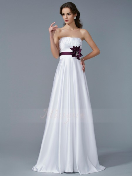 A-Line/Princess Sleeveless Sweep/Brush Train Satin Strapless Hand-Made Flower Dresses
