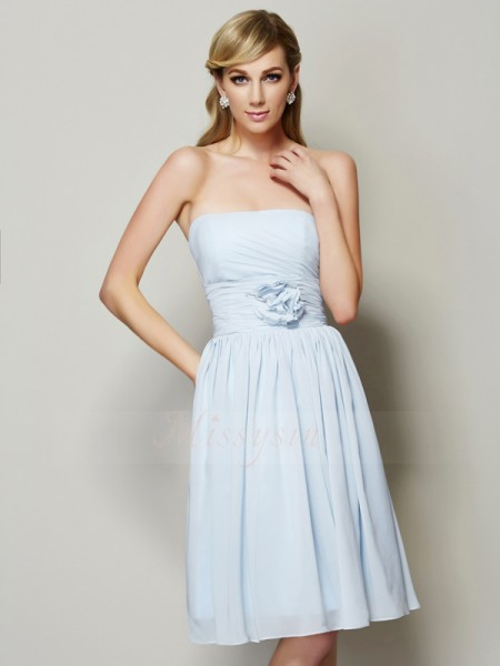 A-Line/Princess Sleeveless Knee-Length Chiffon Strapless Hand-Made Flower Dresses