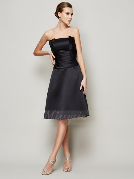 A-Line/Princess Sleeveless Knee-Length Satin Strapless Pleats Bridesmaid Dresses