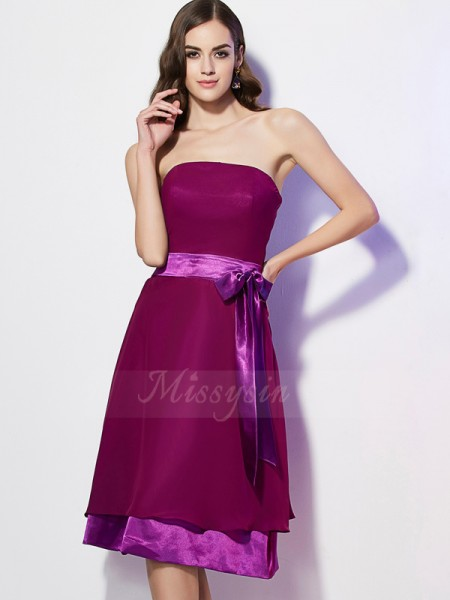 A-Line/Princess Sleeveless Knee-Length Chiffon Strapless Bowknot Bridesmaid Dresses