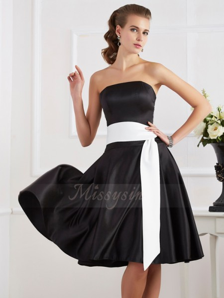 A-Line/Princess Sleeveless Knee-Length Satin Strapless Sash/Ribbon/Belt Dresses