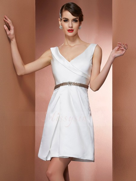 A-Line/Princess Sleeveless Short/Mini Satin Straps Beading Dresses