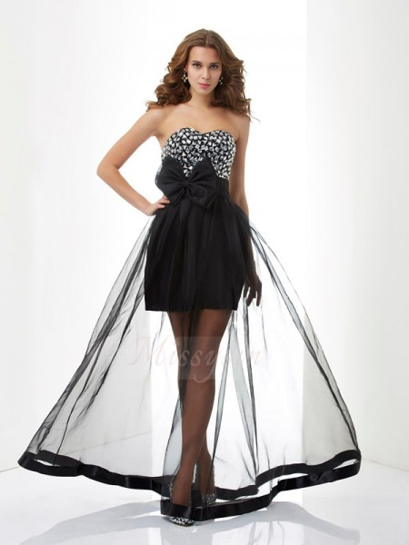 A-Line/Princess Sleeveless Floor-Length Organza Sweetheart Beading Dresses