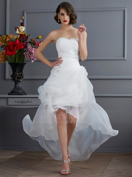 A-Line/Princess Sleeveless Asymmetrical Organza Sweetheart Beading,Applique Wedding Dresses