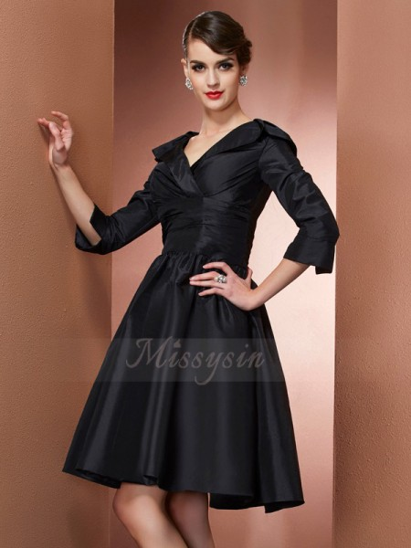 A-Line/Princess 3/4 Sleeves Short/Mini Taffeta V-neck Mother Of The Bride Dresses